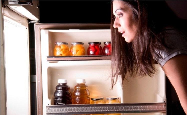 Cửa tủ lạnh bị hở