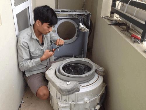 Đội ngũ nhân viên kỹ thuật sửa máy giặt nhanh chóng