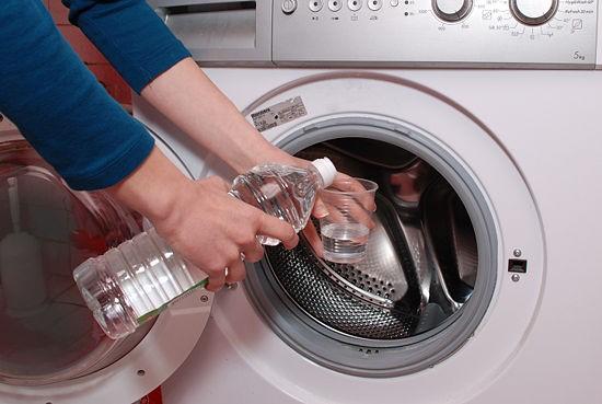 Cách Vệ Sinh Máy Giặt Electrolux Cửa Ngang Đơn Giản Hiệu Quả