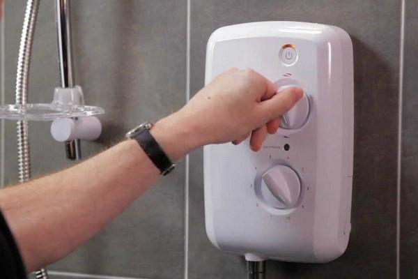 máy nước nóng không nóng