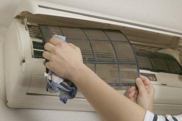 nguyên nhân máy lạnh chảy nước