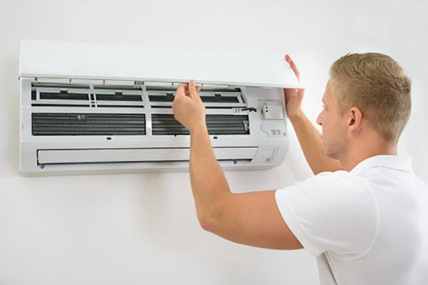 máy lạnh có mùi hôi