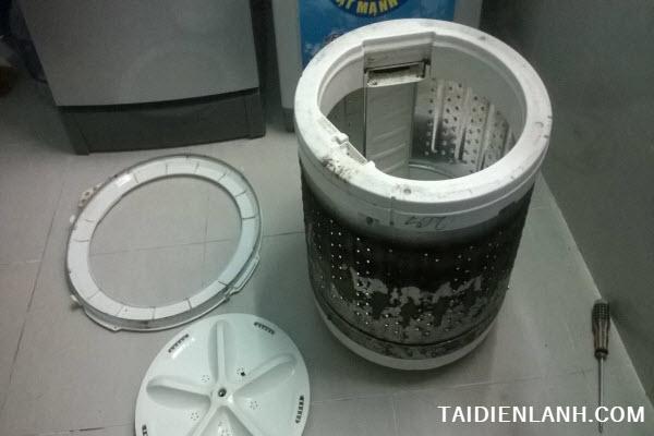 máy giặt xả nước liên tục không ngừng