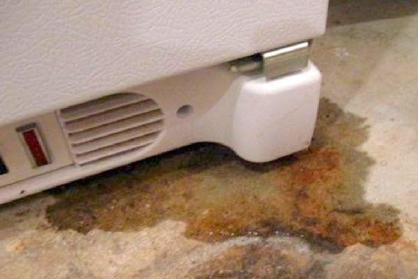 tủ lạnh bị rò điện